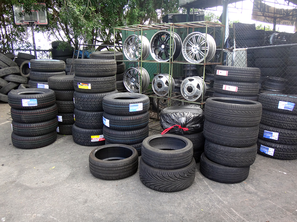 Redland-Market-Village-Tire-Shop